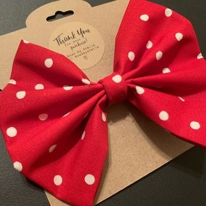 Handcrafted bows made with love.